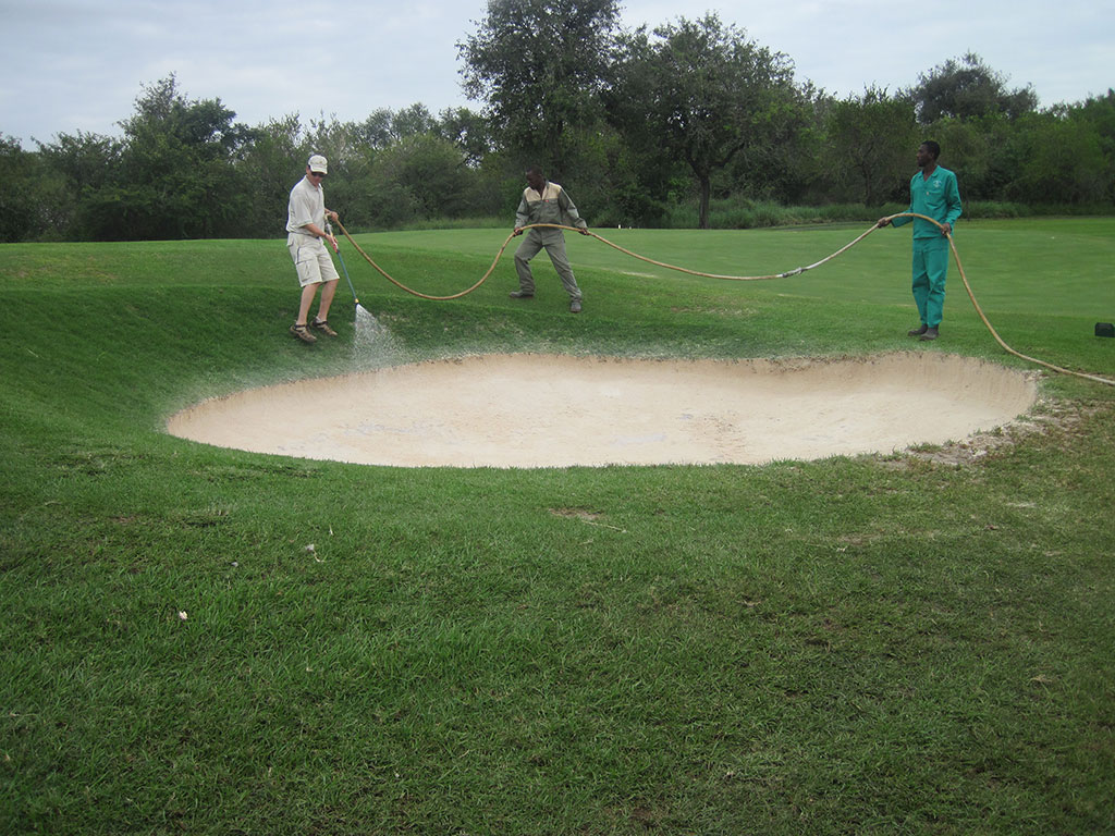 leopards creek hole 8 spraying