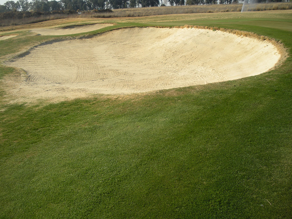 Blair Atholl Bunker Hole 10 before Bunkertac application